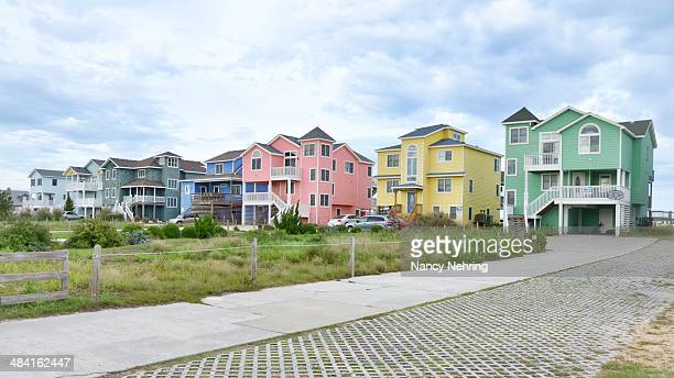 american suburban houses - kitty hawk beach stock pictures, royalty-free photos & images