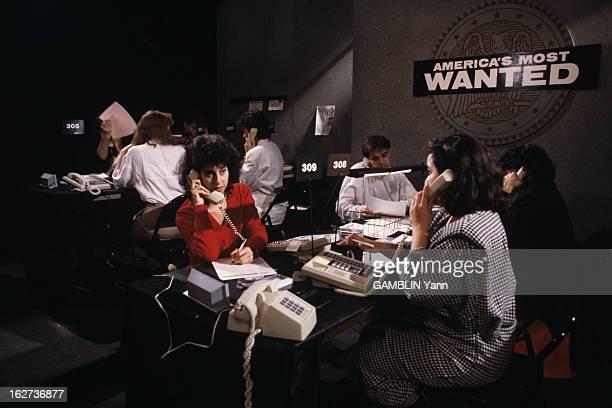 American Television To Hunt Murderers Through The Programme 'America's Most Wanted' Washington mai 1988 La série de la télévision américaine...