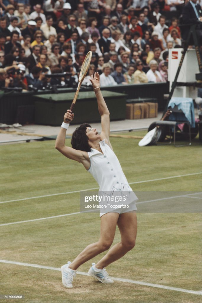 Billie Jean King At 1977 Wimbledon Championships : News Photo