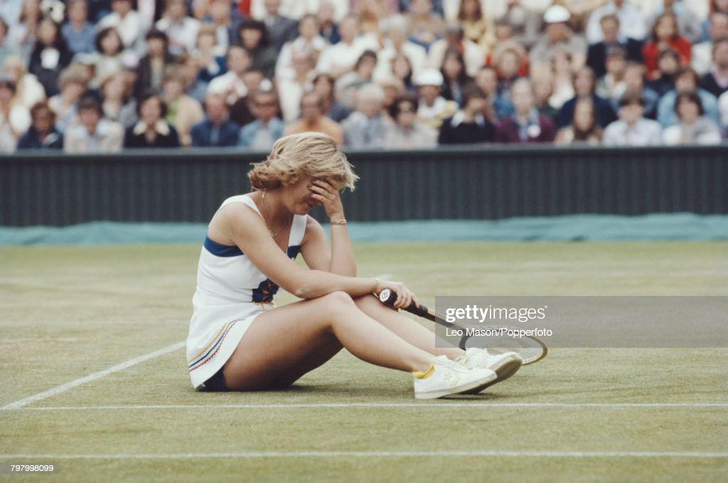 Chris Evert At 1977 Wimbledon Championships : News Photo