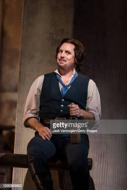 American tenor Matthew Polenzani performs at the final dress rehearsal prior to the season premiere of the Metropolitan Opera/Bartlett Sher...