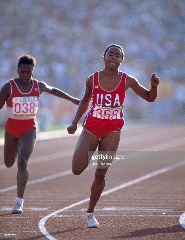 Watch Evelyn Ashford 5 Olympic medals video