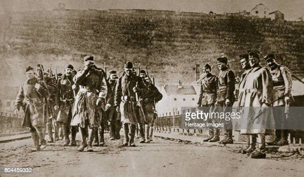 American troops march into Germany 1918 The Allies marched into Germany to occupy the Rhineland and the Ruhr after the signing of the Armistice...