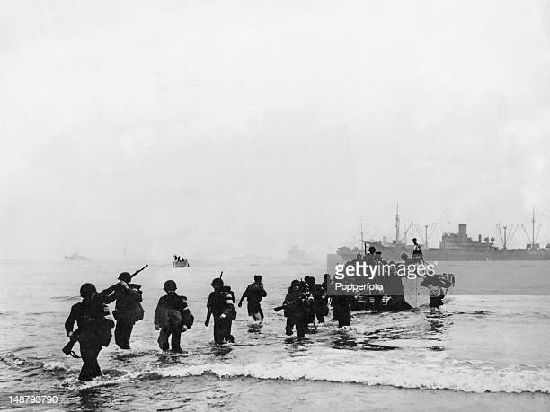 American troops wade ashore at Arzew near Oran Algeria during Operation Torch November 1942 Operation Torch was the BritishAmerican invasion of...