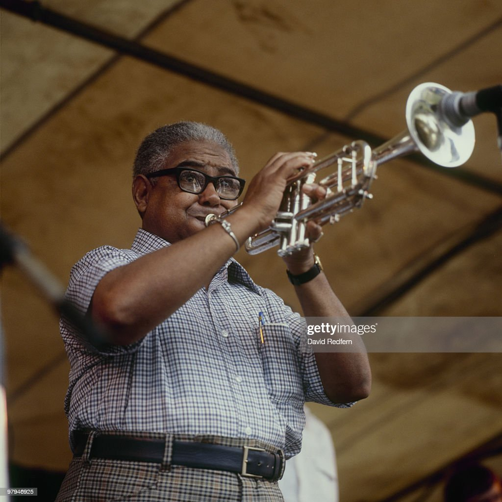 Alvin Alcorn Performs On Stage : News Photo