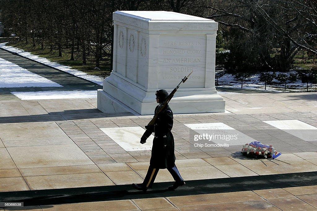 Veterans Commemorate Pearl Harbor Anniversary : News Photo