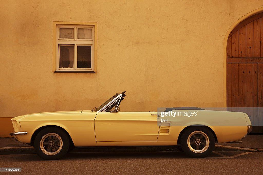 American Vintage Auto auf der Straße : Stock-Foto