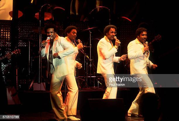 American vocal group the Four Tops perform onstage at the Park West Chicago Illinois March 28 1981 Pictured are from left Levi Stubbs Renaldo 'Obie'...