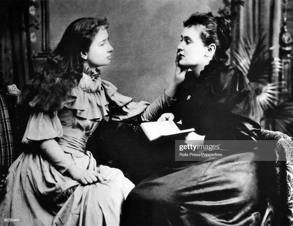 Helen Keller and Anne Sullivan : News Photo