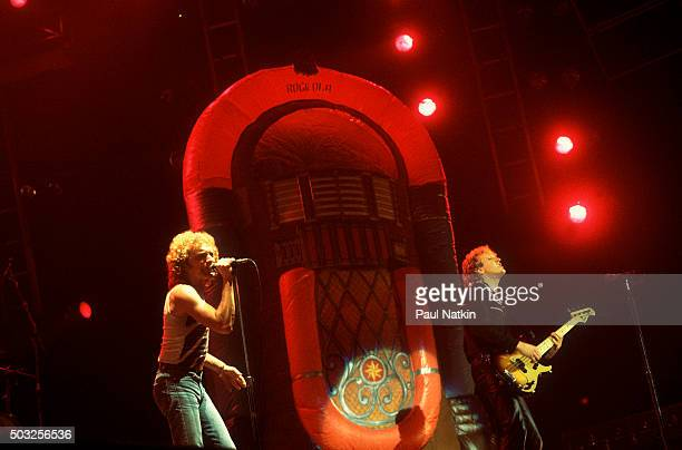Americanbased rock band Foreigner performs onstage at the Rosemont Horizon Rosemont Illinois November 8 1981 Pictured are vocalist Lou Gramm and Rick...