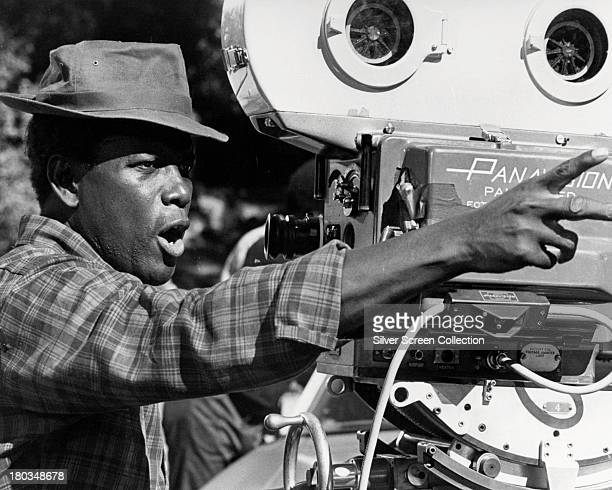 Americanborn Bahamian actor and director Sidney Poitier on the set of his 1974 comedy 'Uptown Saturday Night' Poitier also plays the role of Steve...