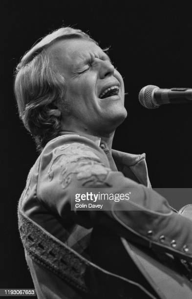 AmericanBritish actor and singer David Soul performing live UK 17th March 1977