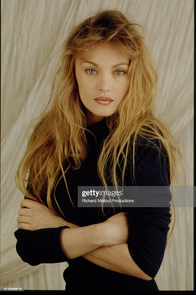 American-French Actress Arielle Dombasle : Photo d'actualité
