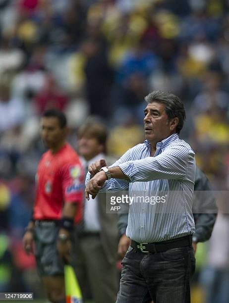 America´s coach Carlos Reinoso gestures during their Mexican Apertura tournament against Atlante in Mexico city on September 11 2011 AFP...