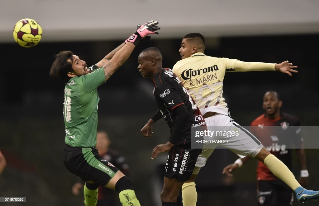 FBL-MEX-PUMAS-TOLUCA : News Photo