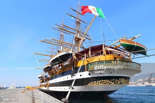 amerigo vespucci tall ship - amerigo vespucci nave foto e immagini stock