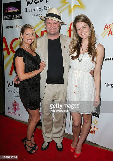 Ami Dolenz Micky Dolenz and Georgia Rose Dolenz attend the Actors For Autism presenting Reach For The Stars honoring Joe Mantegna at Rockwell on...