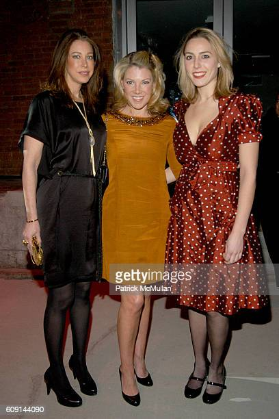Amie Deutch Karen Marx and Nicole Qualls attend DIFFA'S DINING BY DESIGN Presented by ELLE DECOR GE MONOGRAM at The Waterfront on February 24 2007 in...