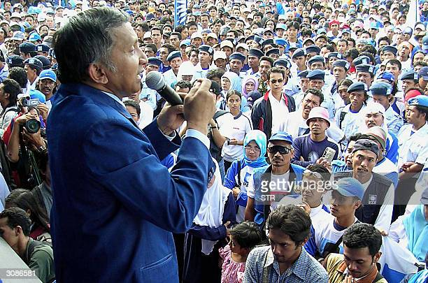 Amien Rais head of People's Consultative Assembly speaks to his supporters during a campaign in Malang 15 March 2004 Indonesia's consummate political...
