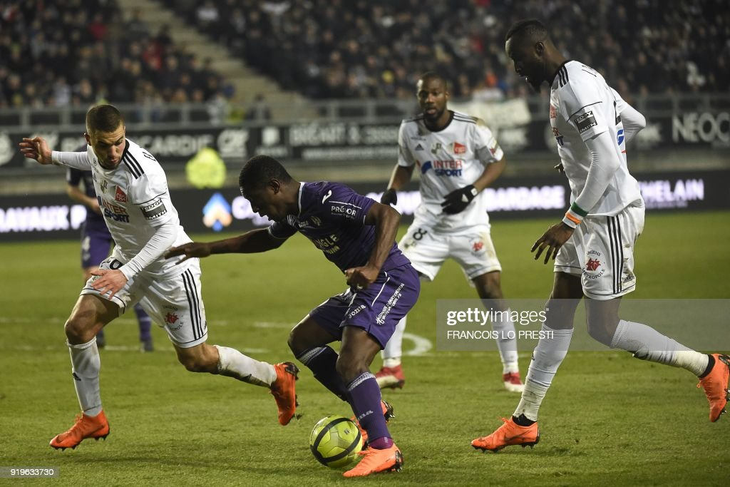 FBL-FRA-LIGUE 1-AMIENS-TOULOUSE : News Photo