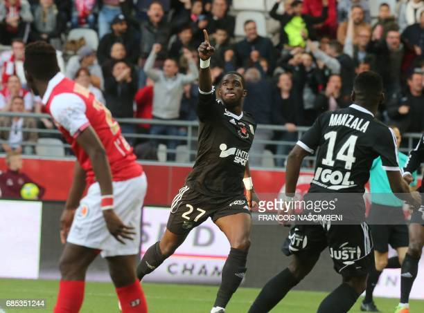 Amiens' forward Aboubakar Famara celebrates after scoring a goal during the Ligue 2 Football match ReimsAmiens on May 19 2017 at the Auguste Delaune...