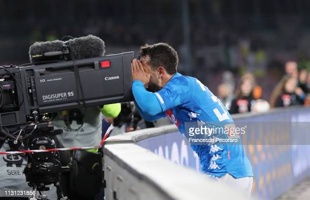 Amin Younes of SSC Napoli celebrates after scoring the 10 goal during the Serie A match between SSC Napoli and Udinese at Stadio San Paolo on March...