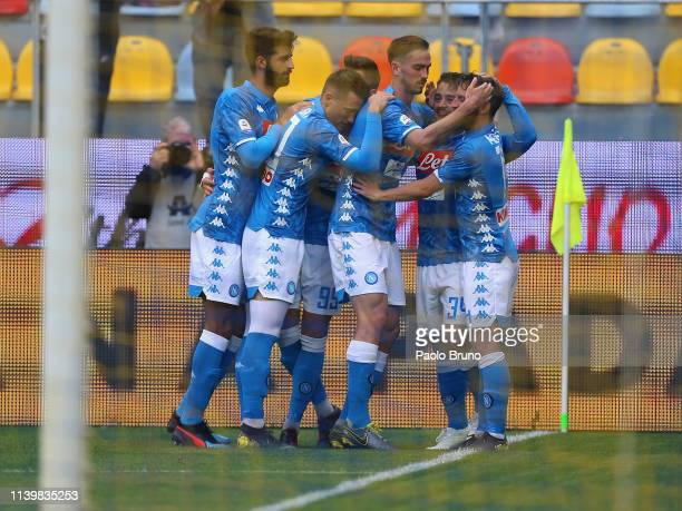 Amin Younes with his teammates of SSC Napoli celebrate after he scored the team's second goal during the Serie A match between Frosinone Calcio and...