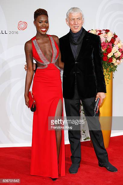 Aminata Sanogo and Ted Linow attend the Rosenball 2016 on April 30 in Berlin Germany
