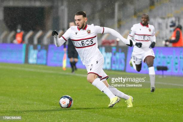 Amine Gouiri of OGC Nice controls the ball during the Ligue 1 match between RC Lens and OGC Nice at Stade Bollaert-Delelis on January 23, 2021 in...