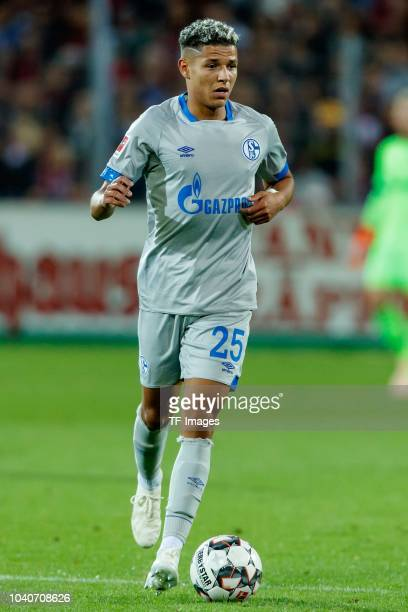 Amine Harit of FC Schalke controls the ball during the Bundesliga match between SportClub Freiburg and FC Schalke 04 at SchwarzwaldStadion on...