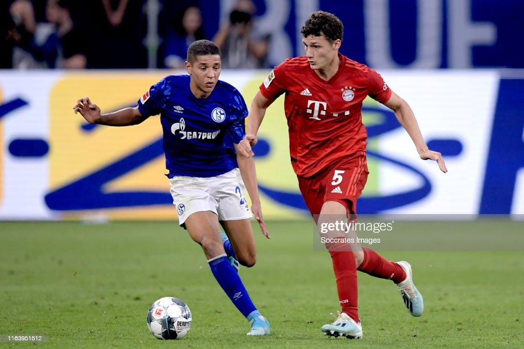 Schalke 04 v Bayern Munchen - German Bundesliga : News Photo