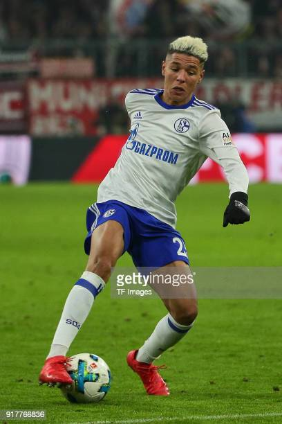 Amine Harit of Schalke controls the ball during the Bundesliga match between FC Bayern Muenchen and FC Schalke 04 at Allianz Arena on February 10...