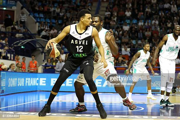 Amine Noua of ASVEL during the Basketball Pro A match between Pau Lacq Orthez and Lyon Villeurbanne on October 8 2016 in Pau France