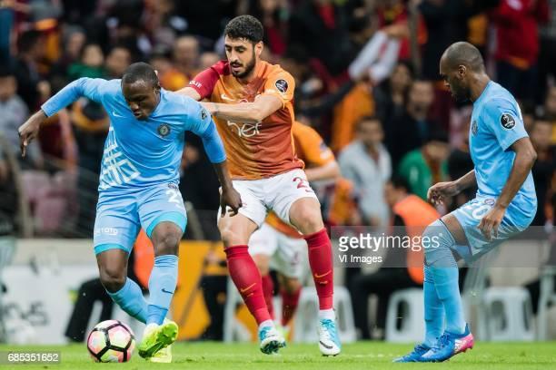 Aminu Umar of Osmanlispor Futbol Kulubu Tolga Cigerci of Galatasaray Luiz Carlos Moreira of Osmanlispor Futbol Kulubuduring the Turkish Spor Toto...