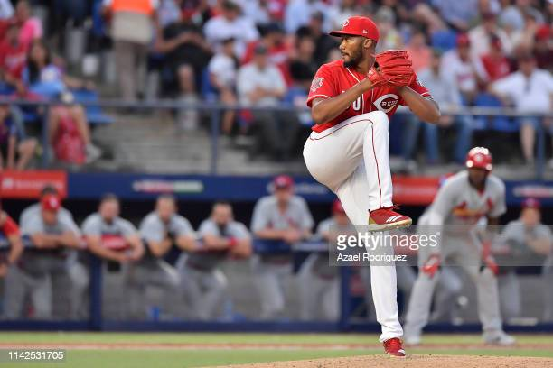 Amir Garrett, relieve pitcher of the Cincinnati Reds, pitches on the sixth inning of the game between the Cincinnati Reds and the St. Louis Cardinals...