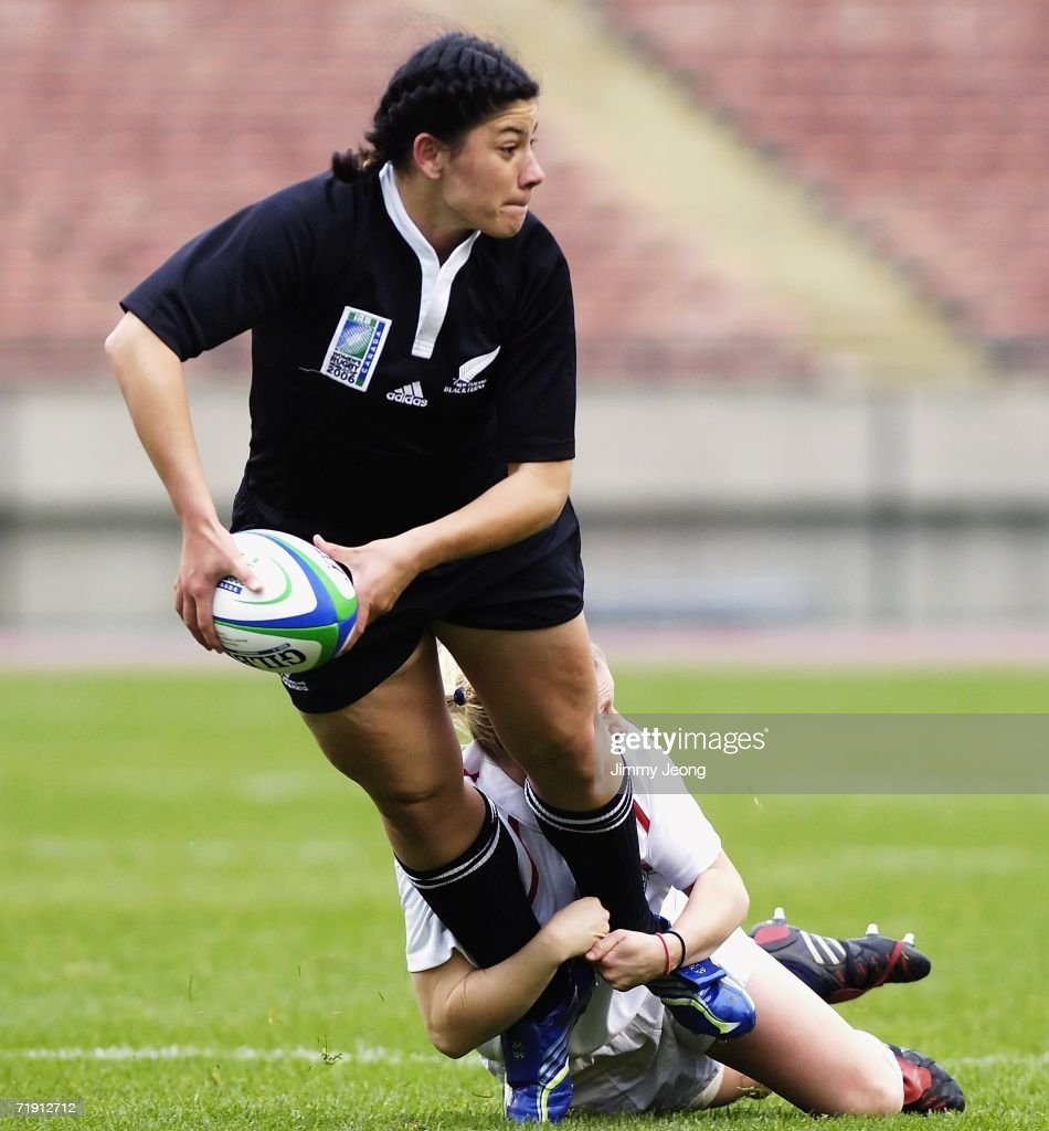 Amiria Marsh of New Zealand tries to pass the ball during the World Cup Final match between England and New Zealand during day six of the Women's Rugby World Cup 2006 at the Commonwealth Stadium on September 17, 2006 in Edmonton, Alberta, Canada.