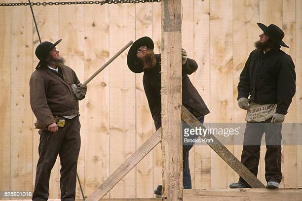 Amish Men Rebuild Barn Destroyed by Arson