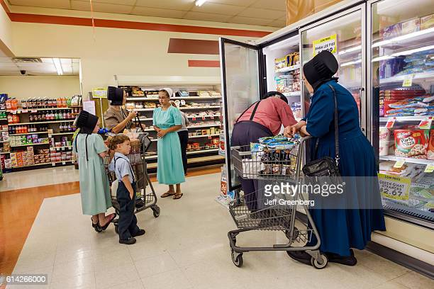 Amish people inside IGA Foodliner grocery store