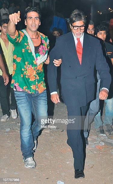 Amitabh Bachchan and Akshay Kumar at BIG STAR Entertainment Awards '10' at Bhavan's Ground Andheri on December 21 2010