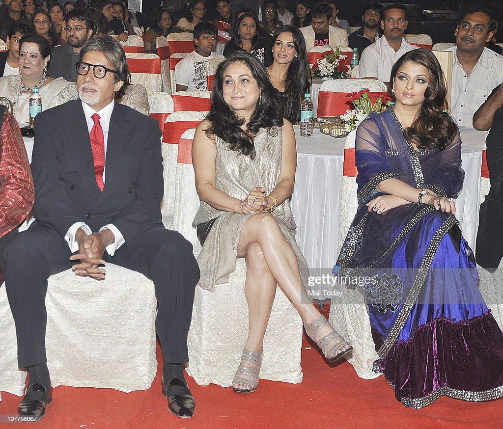 Amitabh Bachchan Tina Ambani and Aishwarya Rai Bachchan at BIG STAR Entertainment Awards `10` at Bhavan`s Ground Andheri on December 21 2010