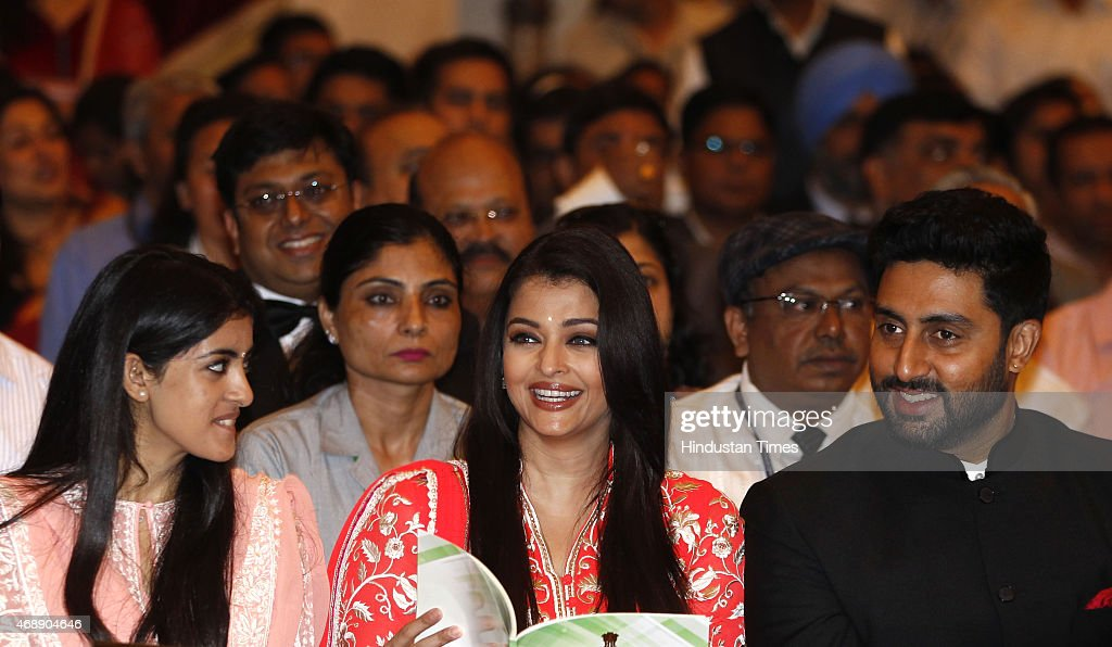 Amitabh Bachchans granddaughter Navya Naveli Nanda Nanda daughterinlaw Aishwarya Rai Bachchan and son Abhishek Bachchan during a civil investiture...