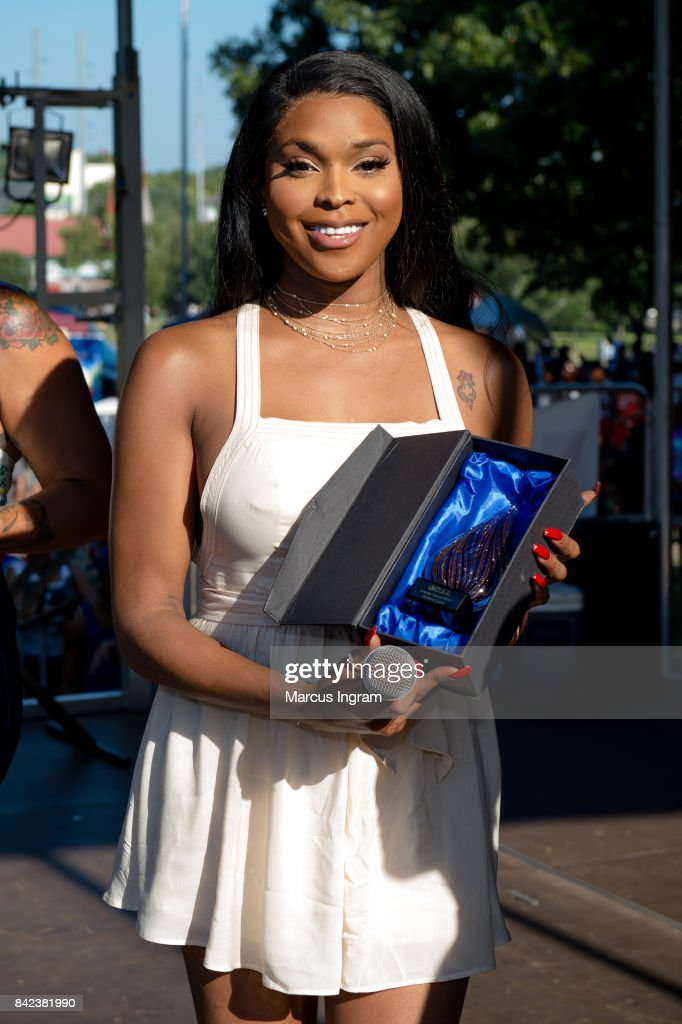 Amiyah Scott receives the PHCF Legacy Award duing the 2017 Pure Heat Community Festival at Piedmont Park on September 3, 2017 in Atlanta, Georgia.