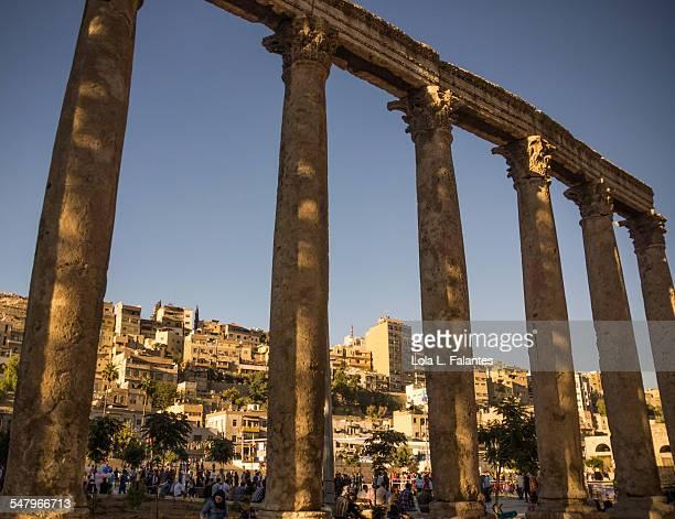Amman between columns