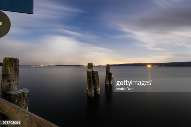 ammersee bei nacht - nacht stock pictures, royalty-free photos & images