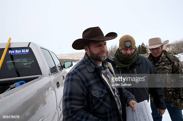 Ammon Bundy the leader of an antigovernment militia preapres to speak to members of the media in front of the Malheur National Wildlife Refuge...