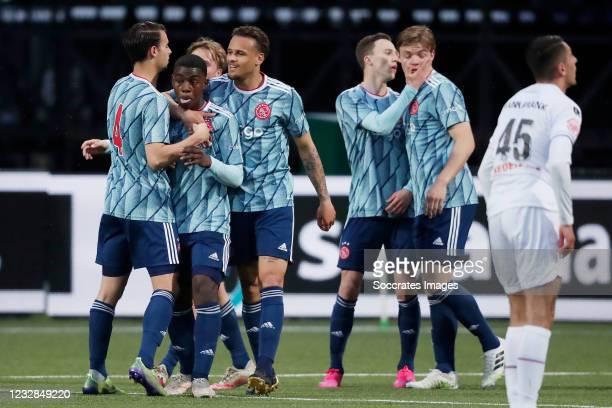 Ammorichio van Axel Dongen of Ajax U23 celebrates 0-1 with Terrence Douglas of Ajax U23, Enric Llansana of Ajax U23, Youri Regeer of Ajax U23,...