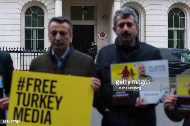 Amnesty International together with Procartoonist Pco and English PEN Writers at Risks organisations staged a vigil outside Turkish Embassy on May 03...
