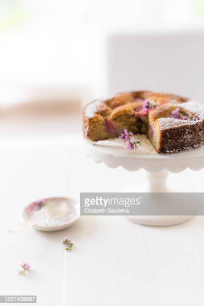 amond and spelt flour cake - nuts magazine stock pictures, royalty-free photos & images