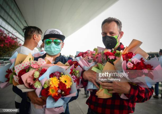 Among the volunteers at Wuhan Tianhe Airport, Fred and his team members sent more than 300 bouquets of flowers to the medical team members who were...