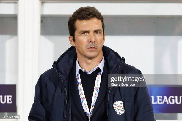Amor Guillermo head coach of the Adelaide United looks on during the AFC Champions League Group H match between Jeju United FC and Adelaide United at...
